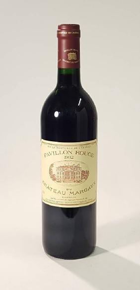 1 bottle 1992 Pavillon Rouge, second wine of Chateau