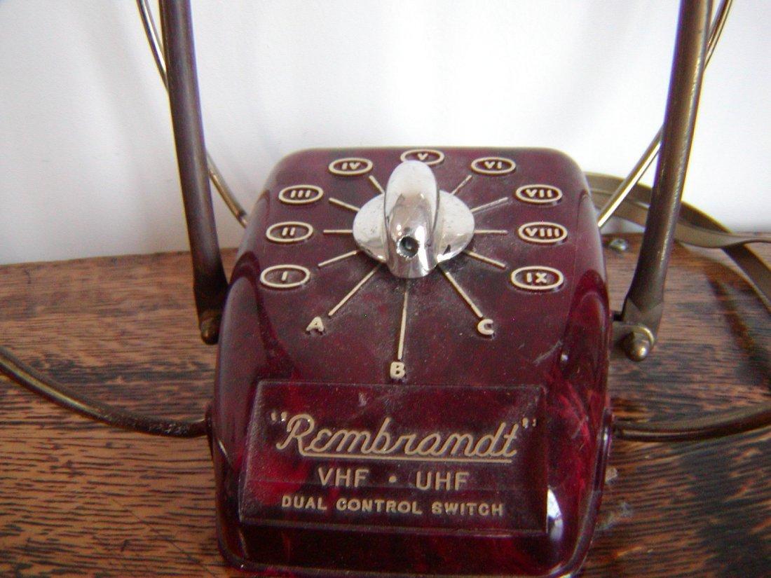Vintage REMBRANDT VHF-UHF Rabbit Ears