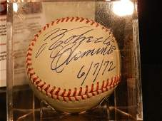 184: Roberto clemente Signed Ball w/ COA