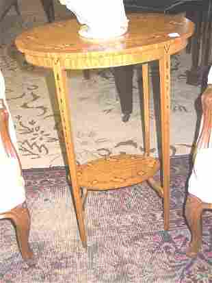 Oval Occasional Table w. Hand Painted Decoration.