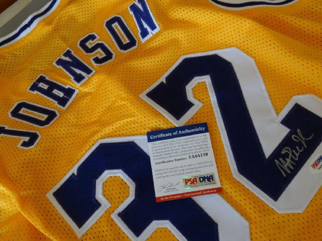 Magic Johnson -  hand singed by Magic Johnson jersey +