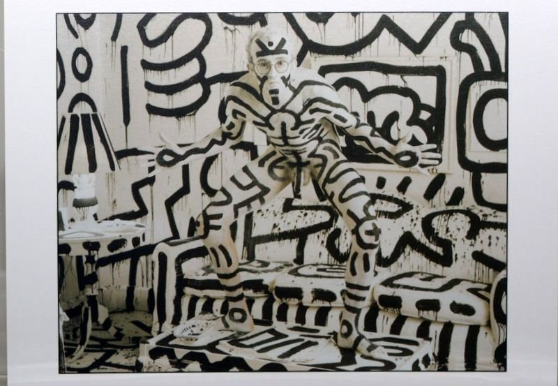 KEITH HARING by ANNIE LEIBOVITZ Art-Postcard NEW