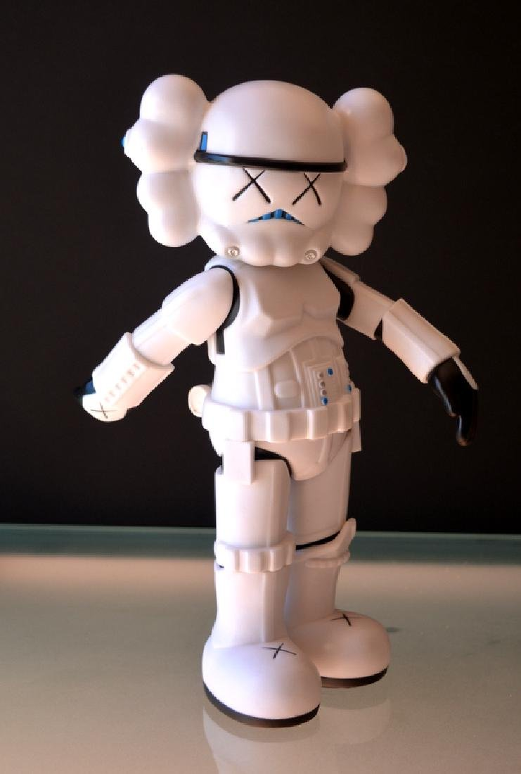 Original Fake Kaws Stormtrooper Star Wars Guerra