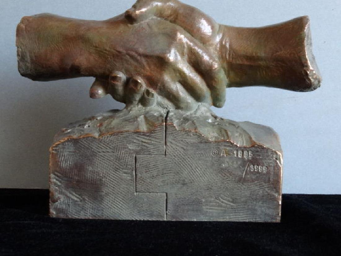 Miro - The hands