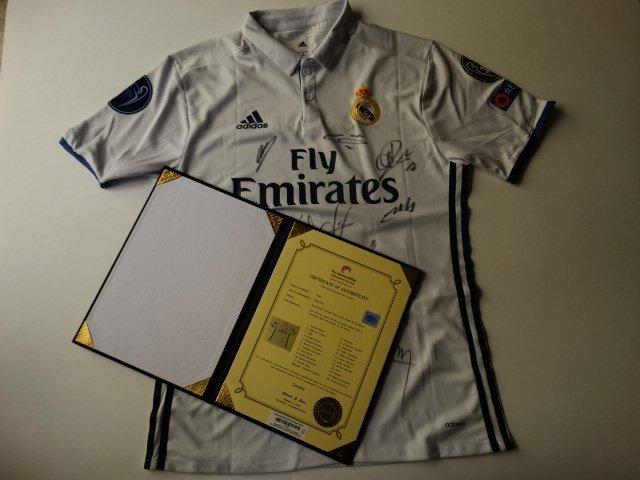 Real Madrid Team siged Jersey Cristiano Ronaldo,.+ COA - 2