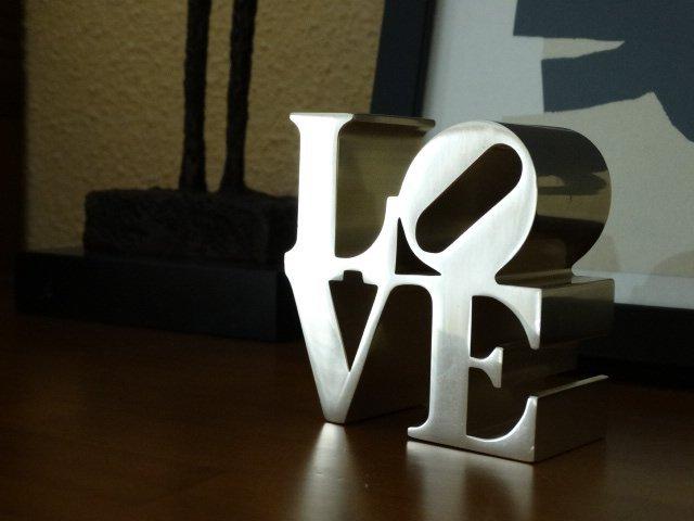Robert Indiana- Love sculpture
