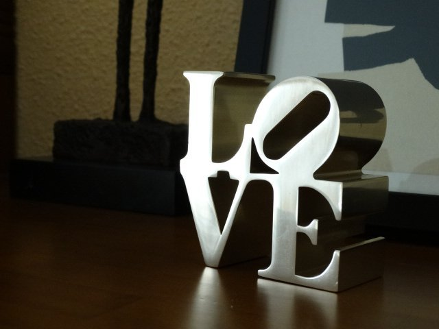 Robert Indiana- Love sculpture