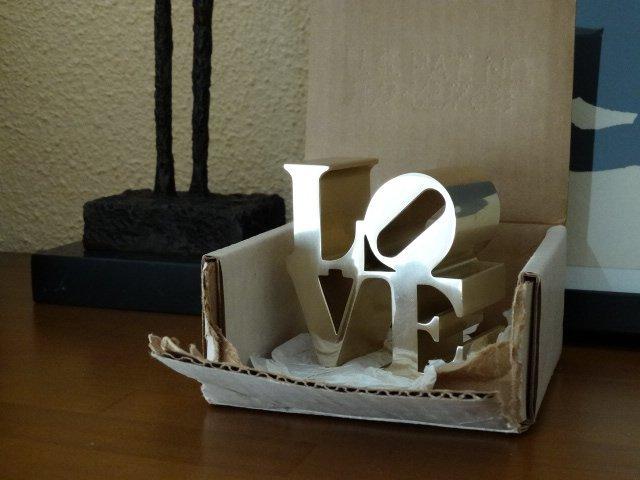 Robert Indiana- Love sculpture - 2