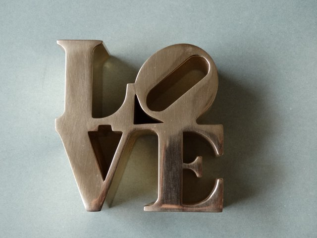 Robert Indiana- Love sculpture - 3
