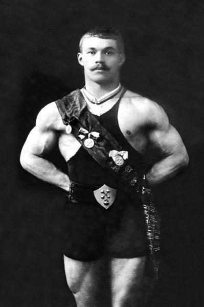 BODYBUILDER IN SASH…VINTAGE MUSCLE MEN