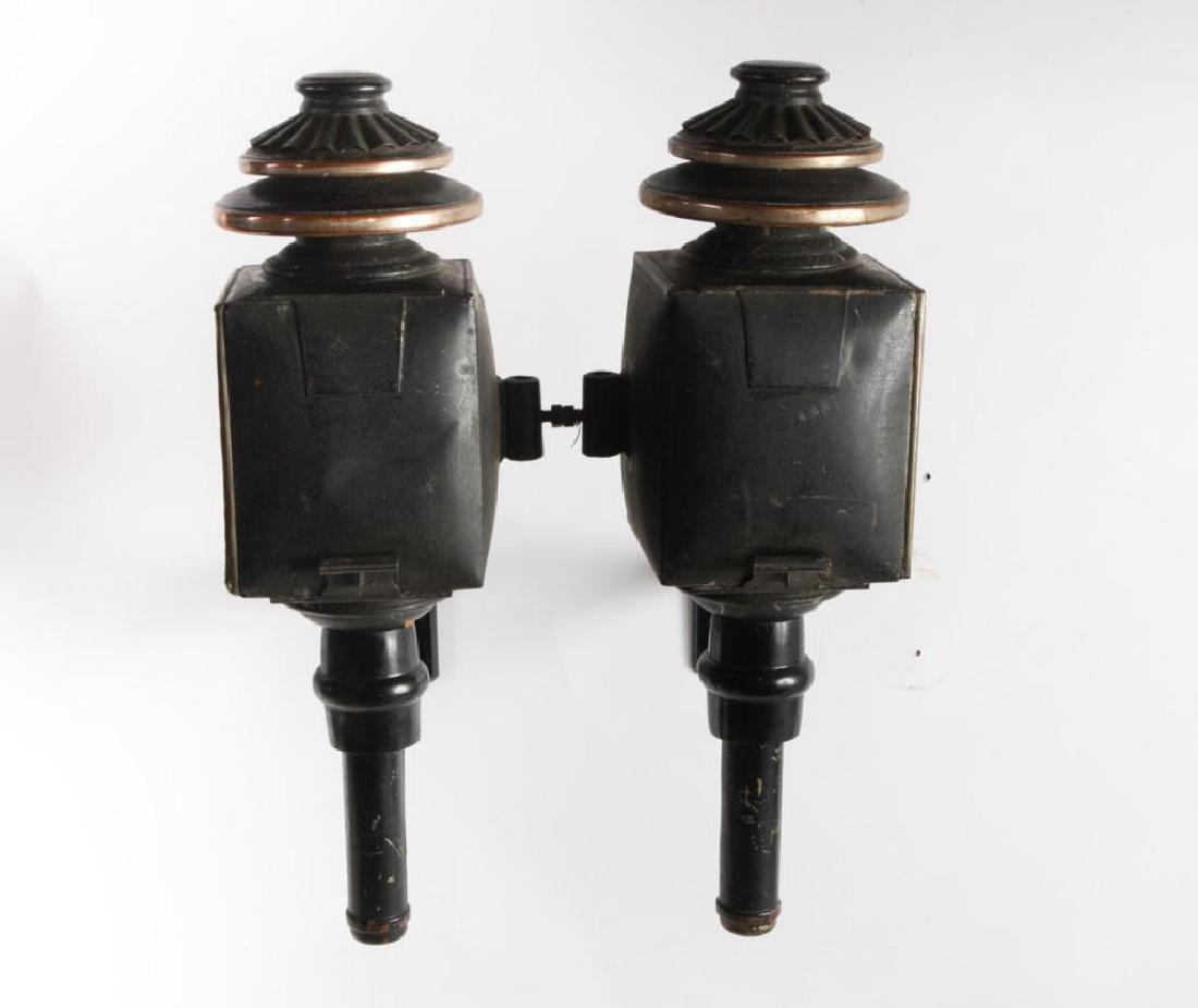 PAIR OF CARRIAGE LAMPS by CUNNINGHAM - 2