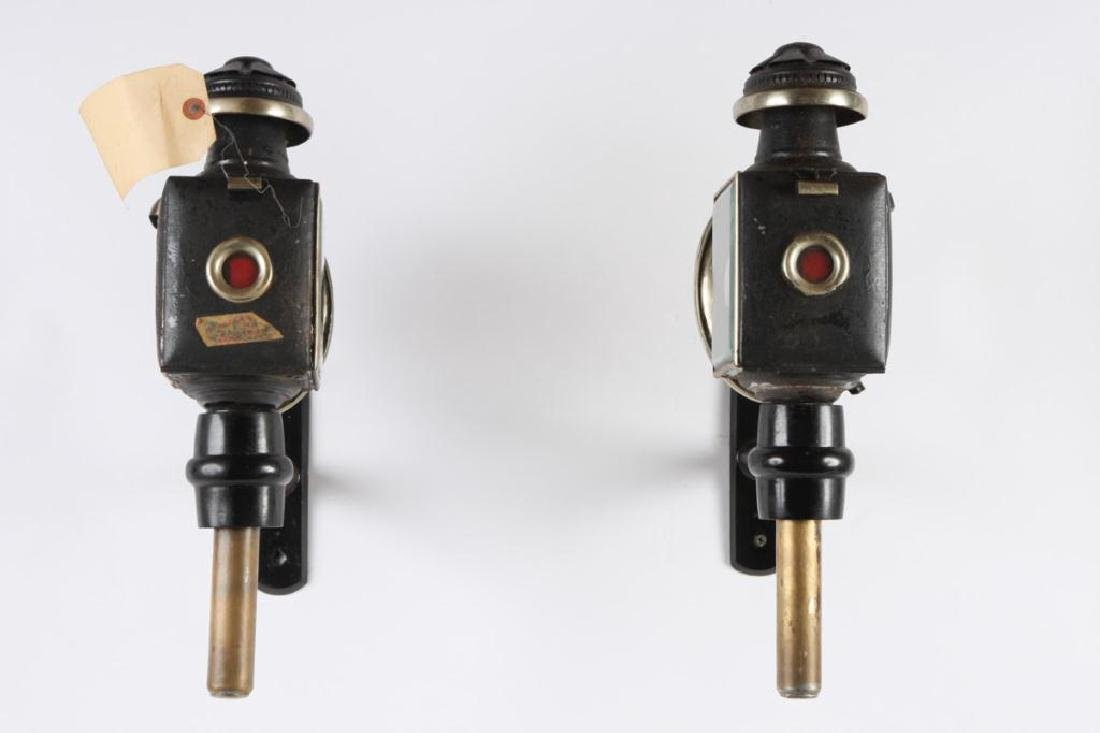 PAIR OF ENGLISH STYLE CARRIAGE LAMPS - 2