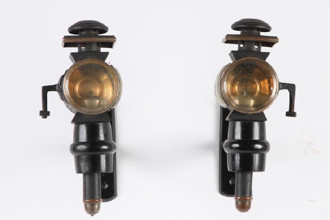 PAIR OF MEDIUM PONY CARRIAGE LAMPS