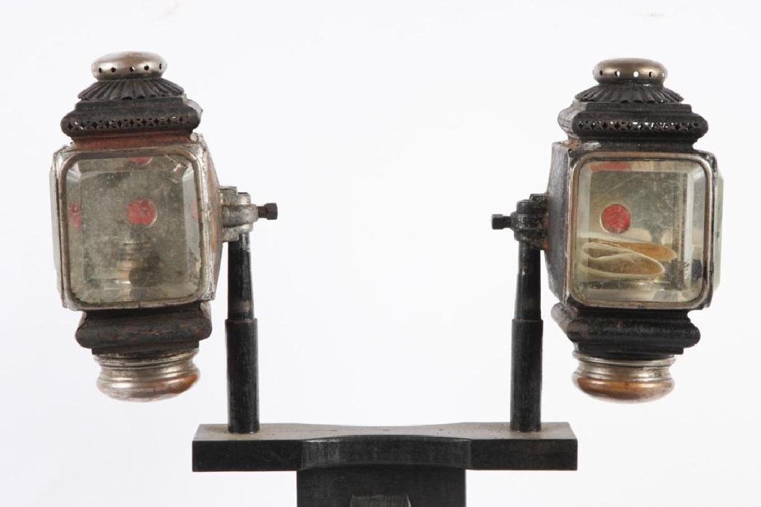 PAIR OF SQUAT SURREY/ PONY LAMPS - 3