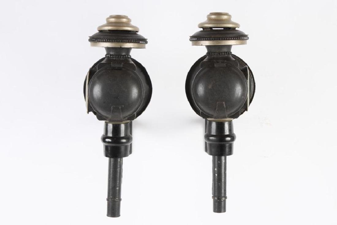 PAIR OF MEDIUM SPORTY CANDLE CARRIAGE LAMPS - 2
