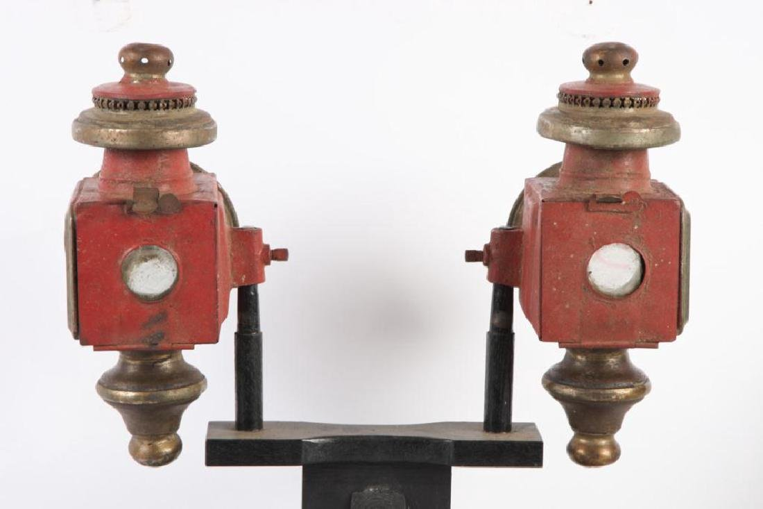 PAIR OF SPORTY CARRIAGE LAMPS - 2
