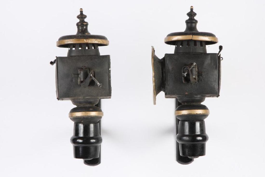 PAIR OF SMALL CANDLE CARRIAGE LAMPS - 4