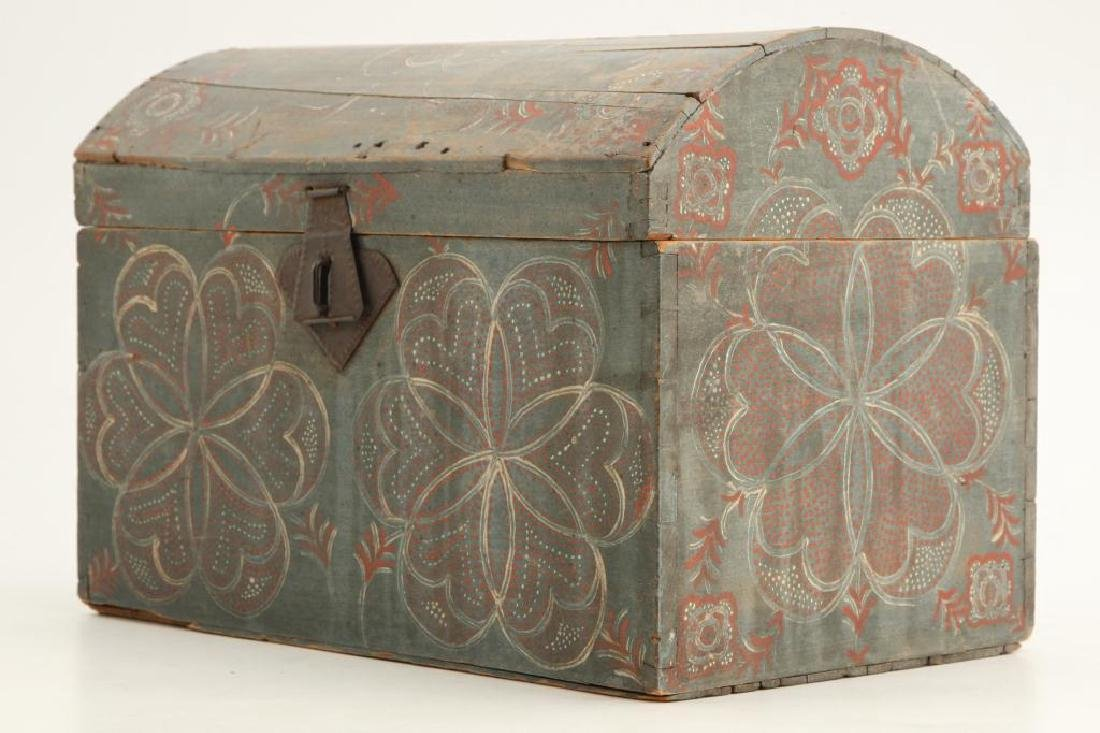 PENNSYLVANIA DUTCH COMPASS DECORATED DOME TOP BOX - 2