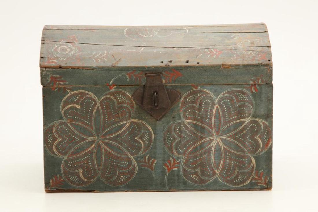 PENNSYLVANIA DUTCH COMPASS DECORATED DOME TOP BOX - 3