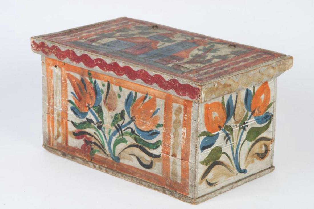 SCANDINAVIAN POLYCHROME BOX with TILL - 5