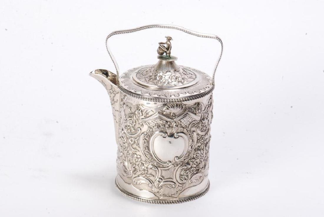 GEORGE III SILVER TEAPOT BY R&S HENNELL LONDON