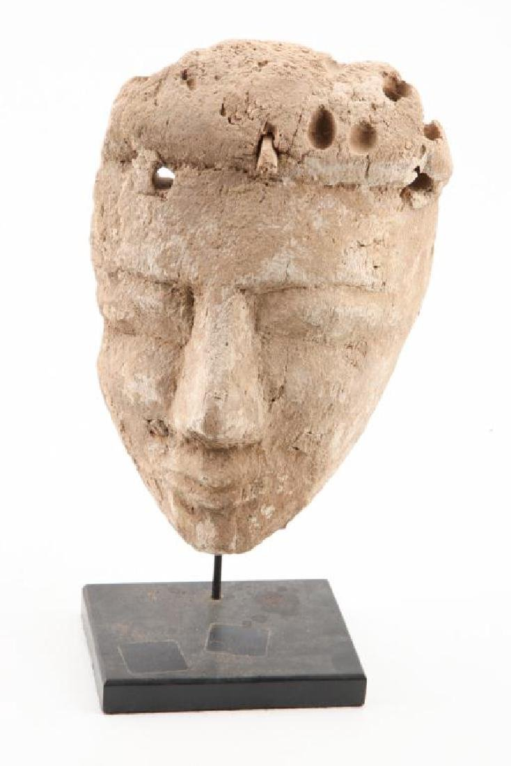 ANCIENT PRE-COLUMBIAN CARVED and PAINTED HEAD