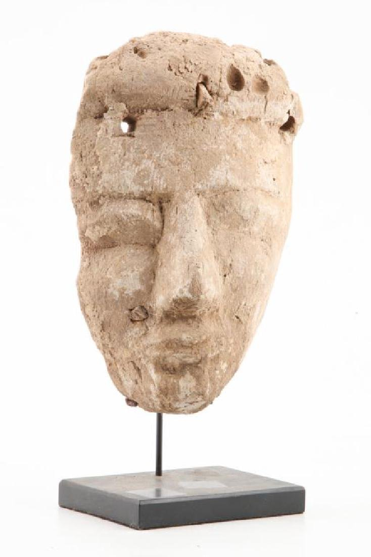 ANCIENT PRE-COLUMBIAN CARVED and PAINTED HEAD - 6