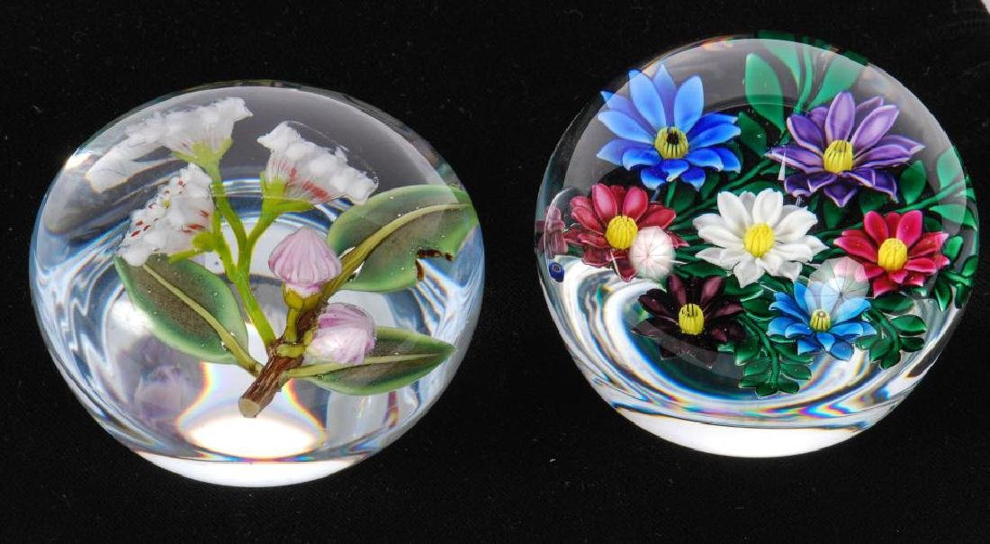 (2) FLORAL PAPERWEIGHTS by PAUL STANKARD & BOB BANFORD - 5