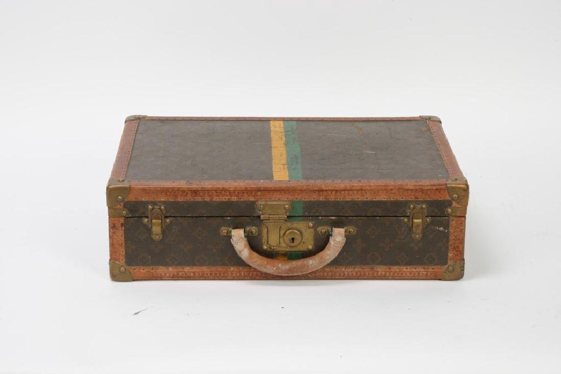 EARLY LOUIS VUITTON SUITCASE - 7