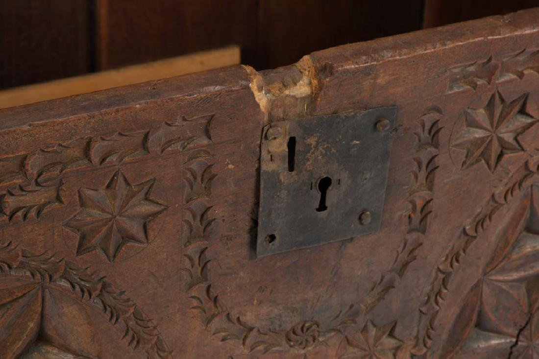(17th c) SPANISH COLONIAL CHEST - 4