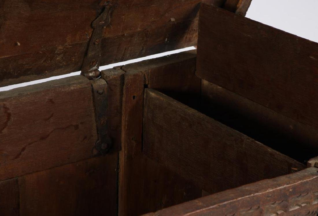 (17th c) SPANISH COLONIAL CHEST - 5
