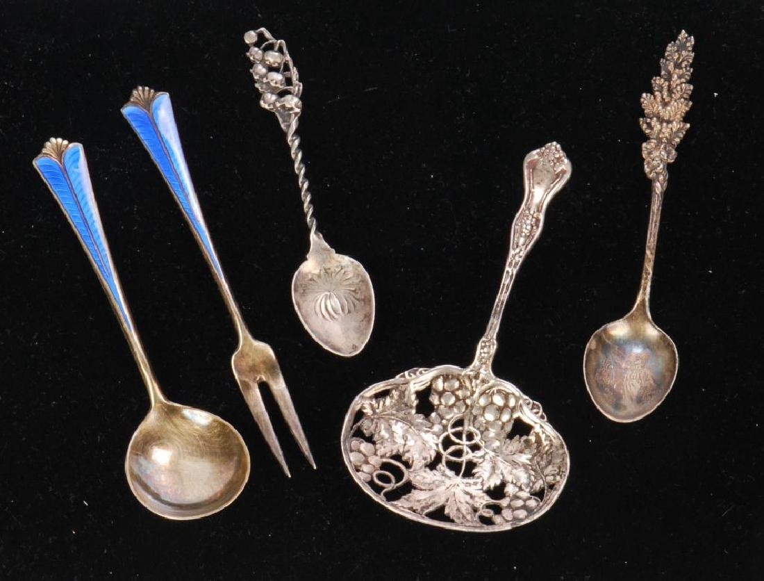 (5) PIECES OF STERLING SILVER / SPOONS AND FORK - 3
