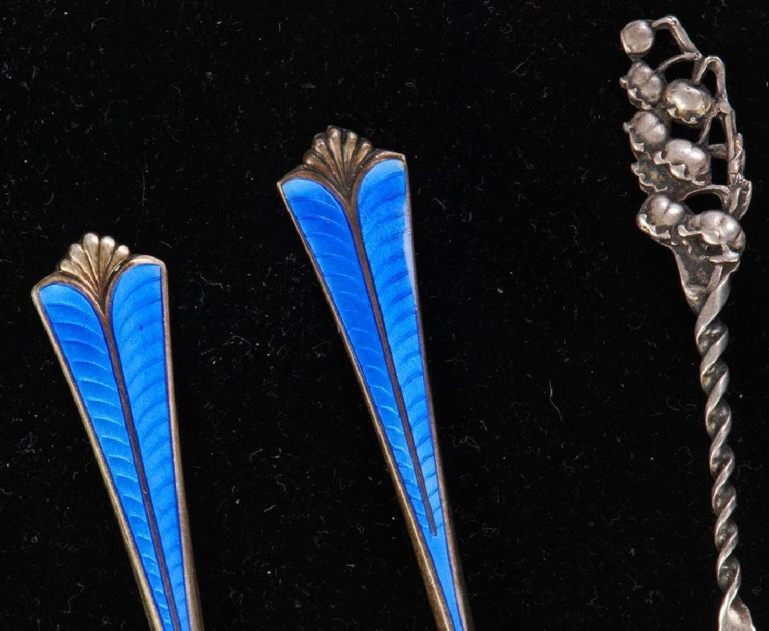 (5) PIECES OF STERLING SILVER / SPOONS AND FORK - 4