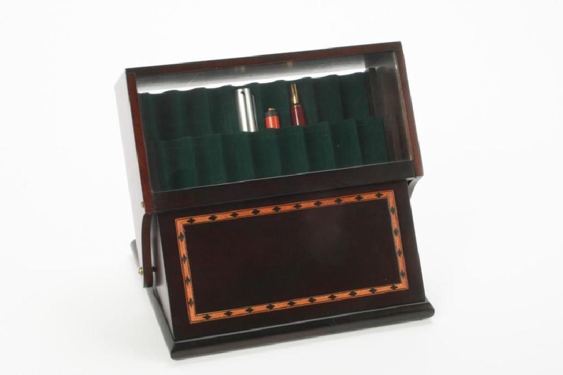 FOUTAIN PEN DISPLAY CASE WITH (3) FOUNTAIN PENS