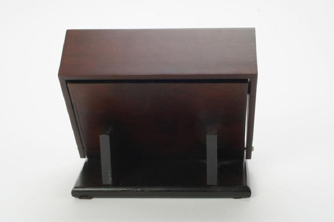 FOUTAIN PEN DISPLAY CASE WITH (3) FOUNTAIN PENS - 3