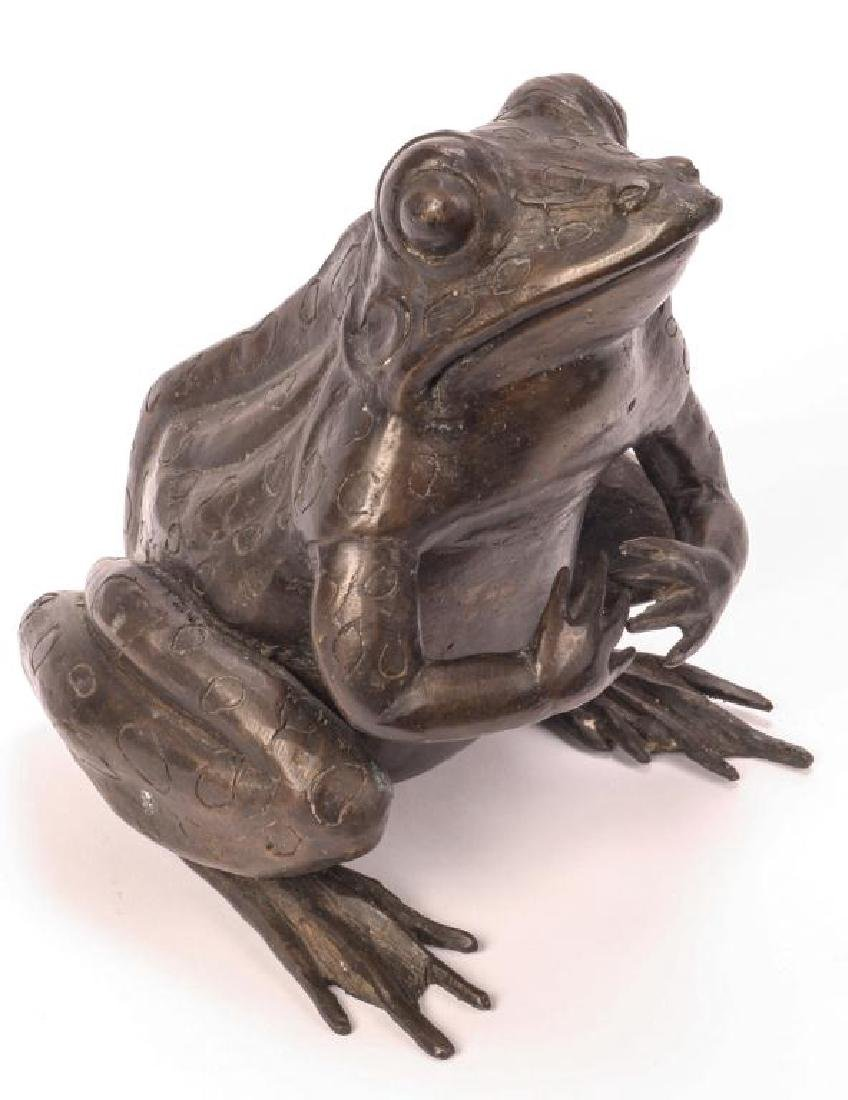 BRONZE FROG SCUPTURE (POSSIBLY ASIAN)