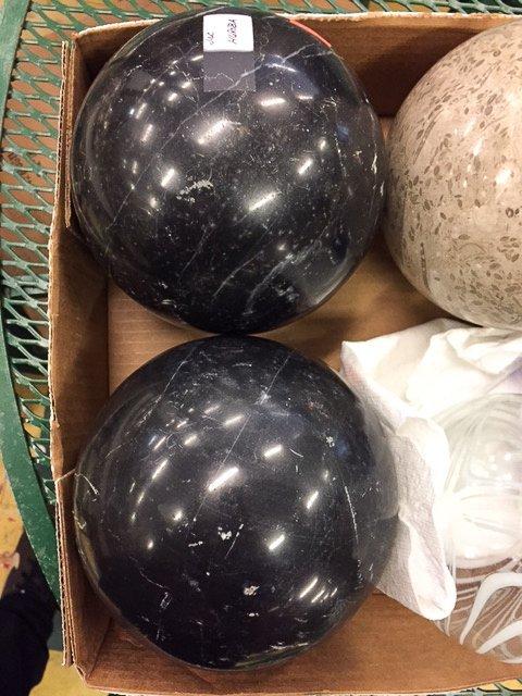 GROUP CARPET/ TWO BLOWN GLASS BALLS - 3
