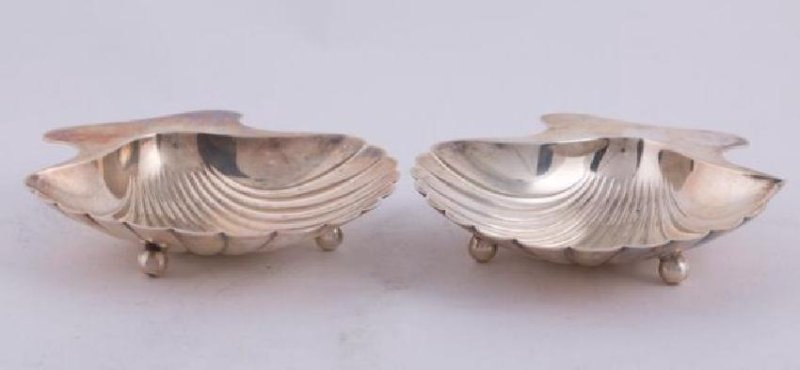 PAIR of TIFFANY STERLING SILVER SHELL NUT DISHES