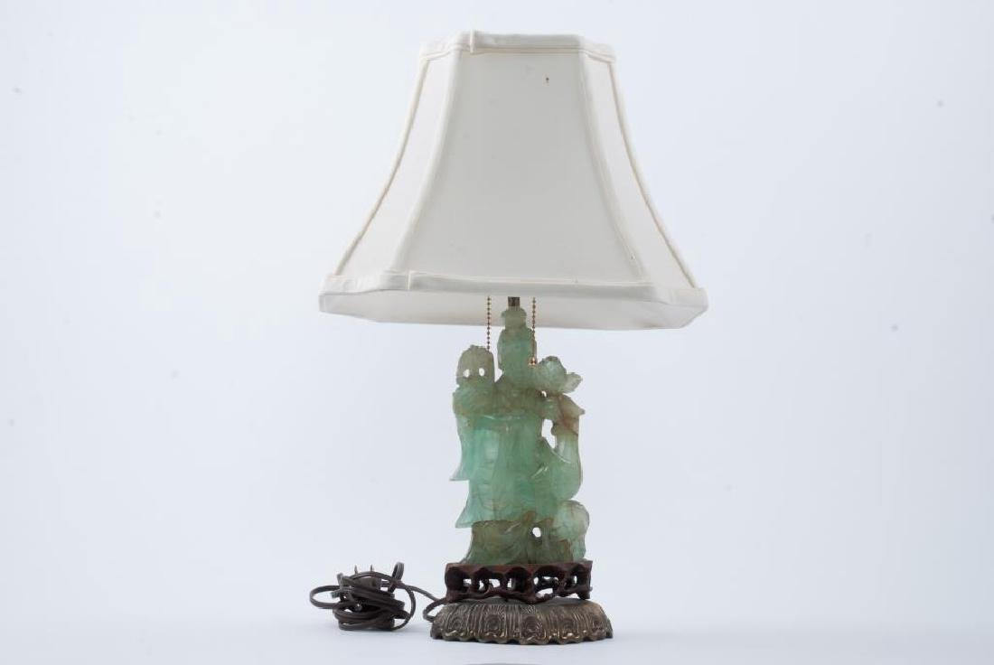 CHINESE CARVED GREEN QUARTZ TABLE LAMP
