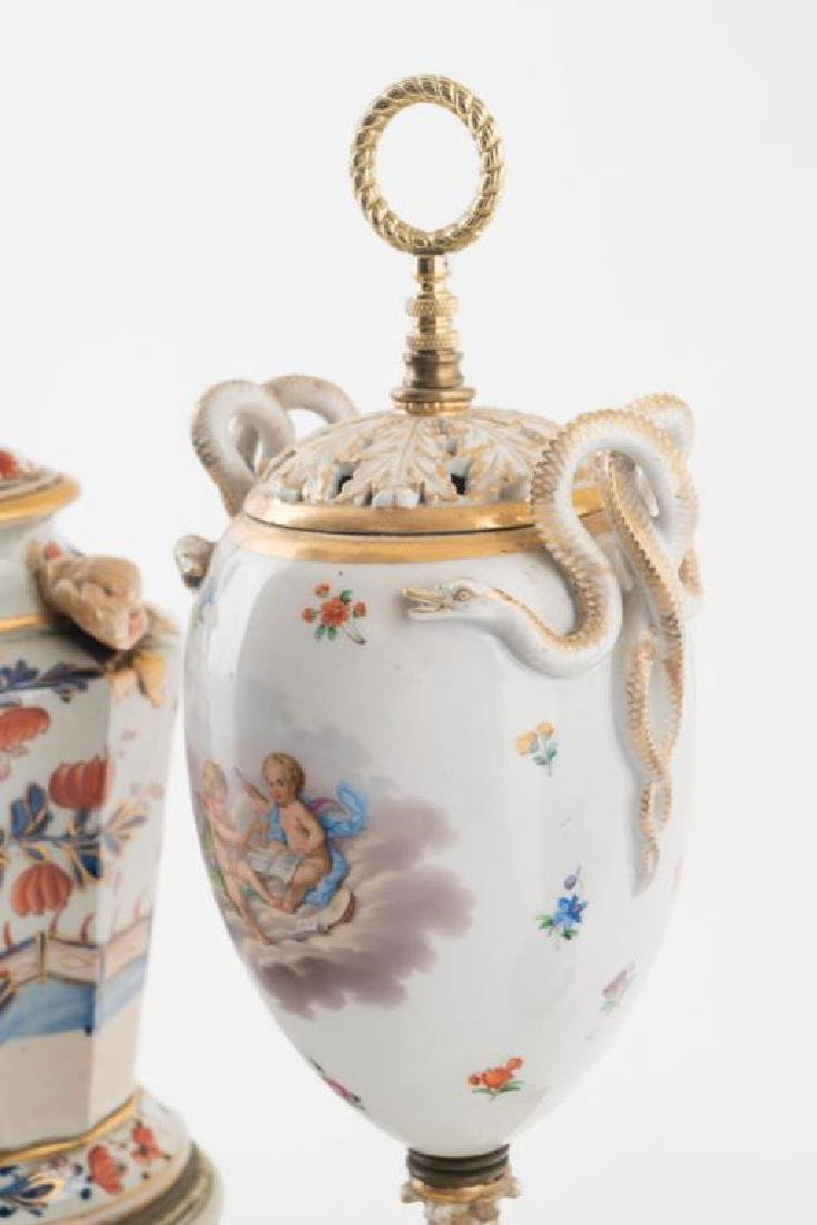 (4) CHINESE PORCELAIN TABLE LAMPS - 5