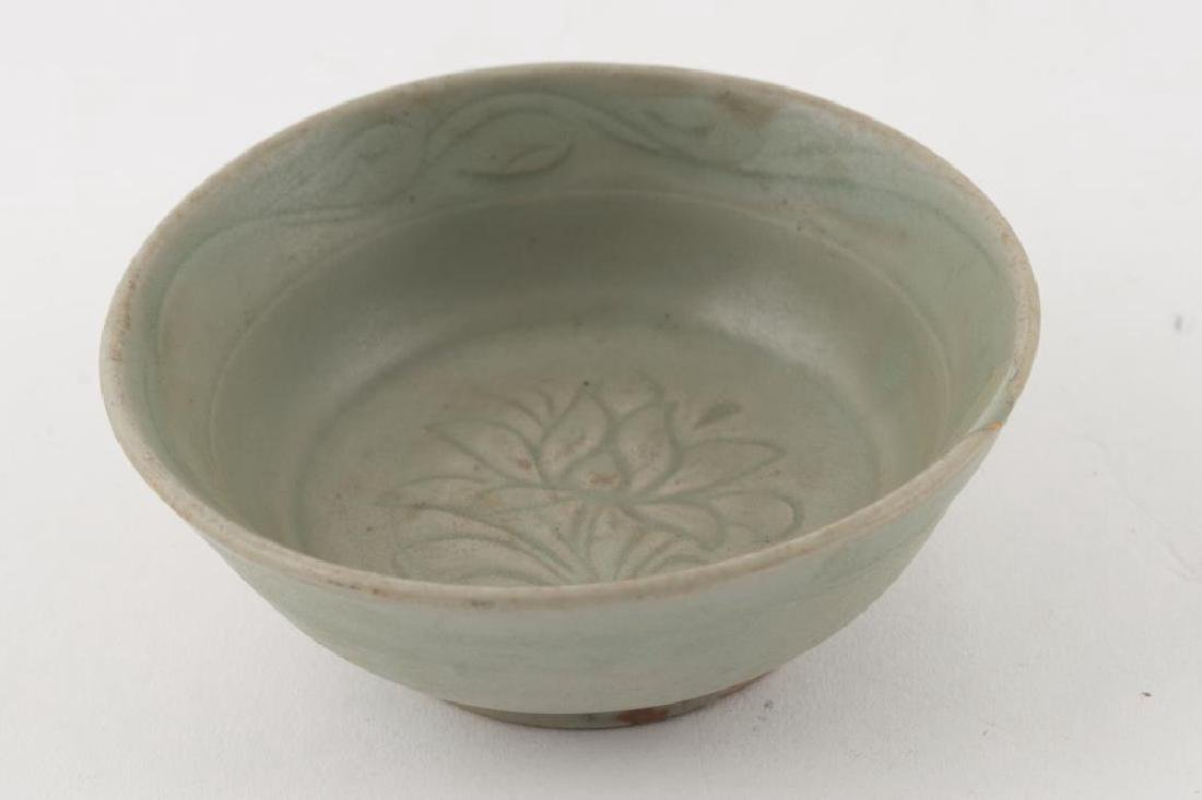 (2) EARLY CHINESE LONGQUAN CELEDON BOWLS - 5