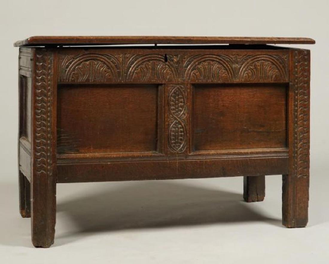 (17th c) JOINED OAK BLANKET CHEST - 4