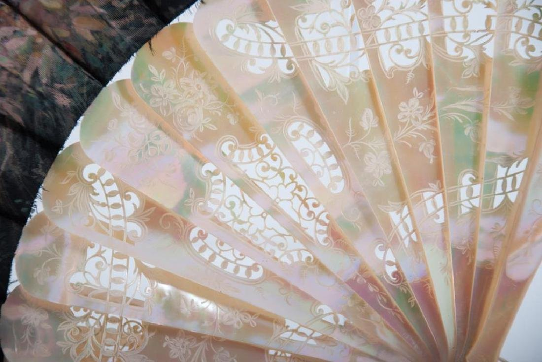 (Early 20th c) CONTINENTAL FAN w/ MOTHER OF PEARL - 6