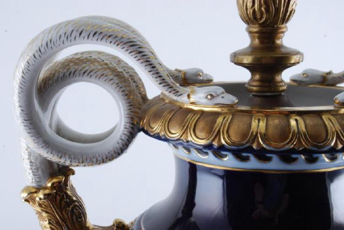 MEISSEN PORCELAIN URN FITTED for a TABLE LAMP - 9