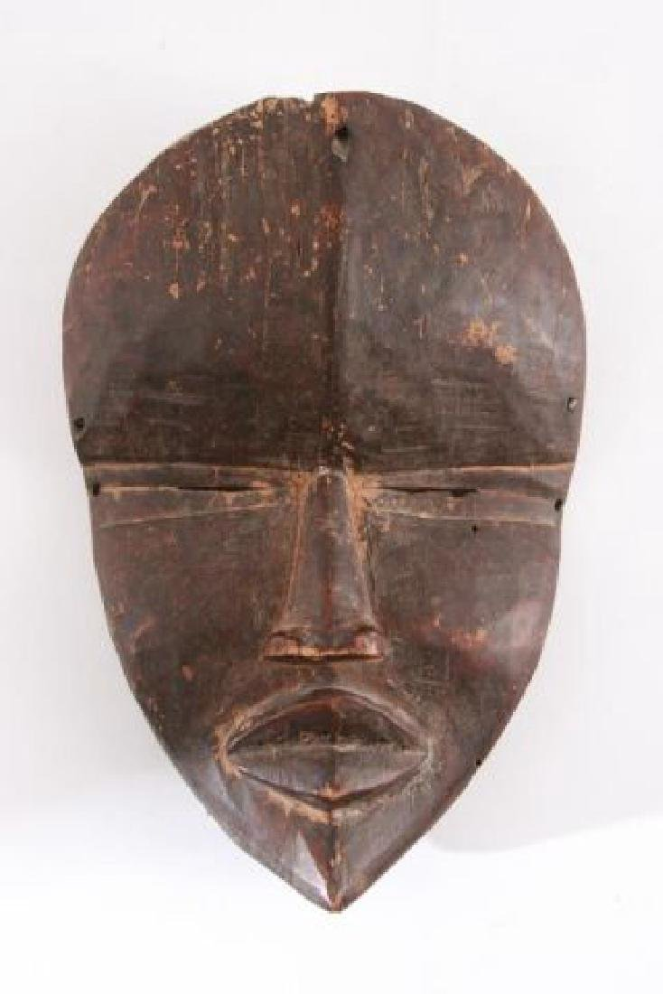 ANTIQUE AFRICAN MASK OF THE DAN / LIBERIA