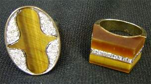 439 Two ring K yello gold rings with tiger eye