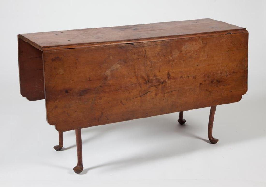 (18th c) QUEEN ANN DROP LEAF MAPLE TABLE