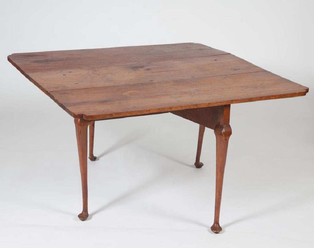 (18th c) QUEEN ANN DROP LEAF MAPLE TABLE - 2