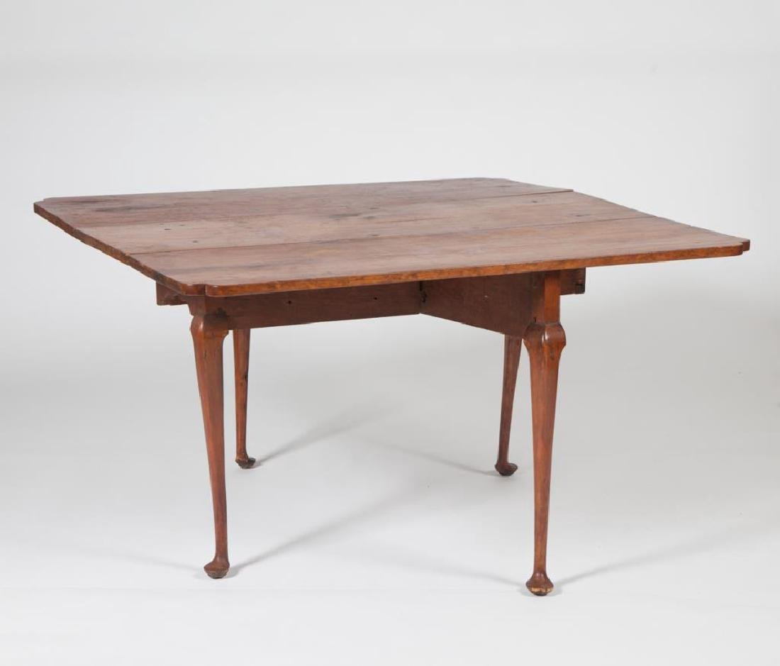 (18th c) QUEEN ANN DROP LEAF MAPLE TABLE - 8