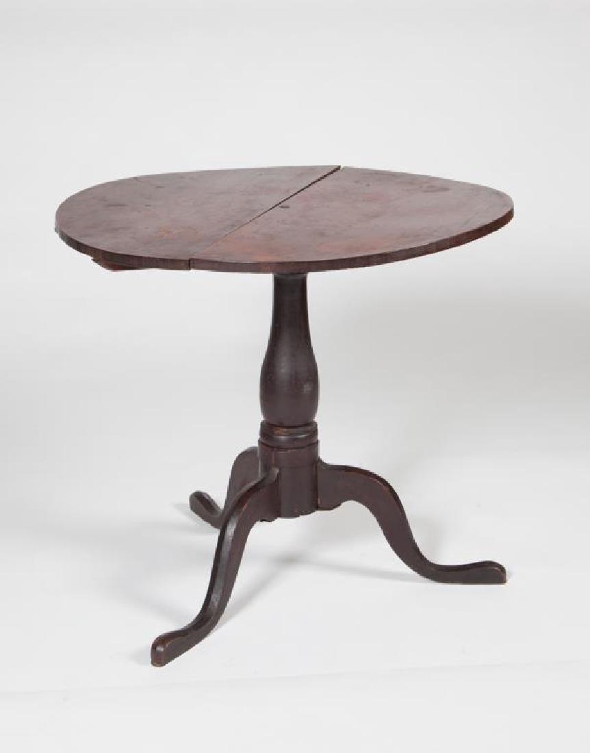 (18th c) CHIPPENDALE MAHOGANY TILT TOP TEA TABLE